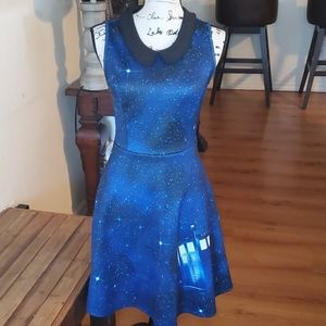 Hot Topic above knee dress size small